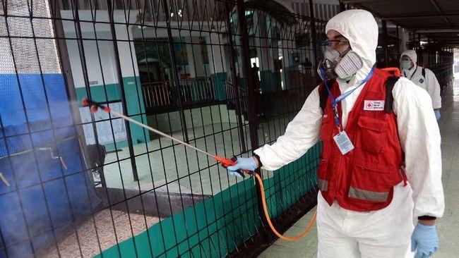 Di tengah kelangkaan disinfektan akibat wabah corona, Himpunan Ahli Kesehatan Seluruh Indonesia (Hakli) membeberkan alternatif lain dari cuka masak.