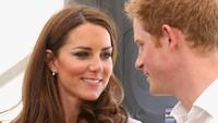 <p>Ya, hubungan mereka kini tak harmonis seperti dulu lagi. Terlebih sejak Pangeran Harry dan istri, Meghan Markle, memutuskan keluar dari anggota senior Kerajaan Inggris, awal Januari lalu. (Foto: Instagram)</p>