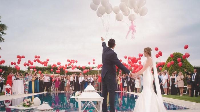 Benarkah Pernikahan Mewah Rentan Risiko Bercerai?