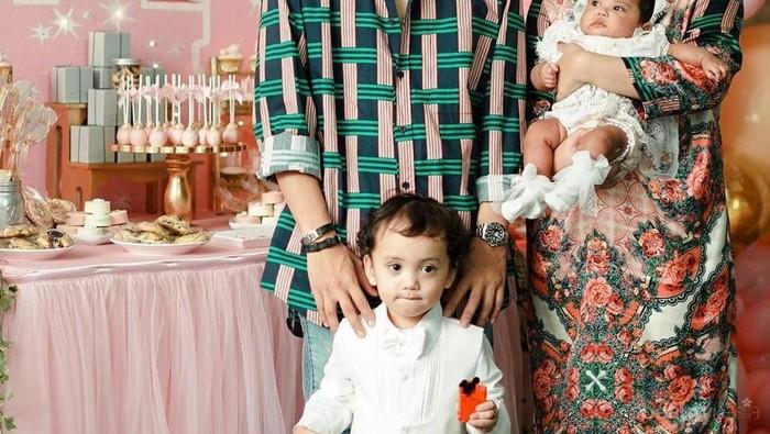10 Potret Keluarga Harmonis Rachel Vennya dan Niko Al Hakim, Family Goals!