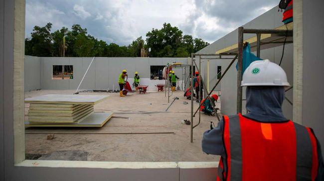 RS Darurat Corona di Pulau Galang, Batam, memiliki kapasitas tampung 1.000 tempat tidur antara lain dibagi untuk ICU, pasien ODP, dan PDP.