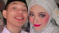 <p>Netizen pun menganggap Tegar Septian begitu beruntung karena istrinya itu disebut cantik dan tidak sombong. Kita doakan semoga pernikahannya selalu langgeng ya.(Foto: Instagram @sarahsheilka)</p>