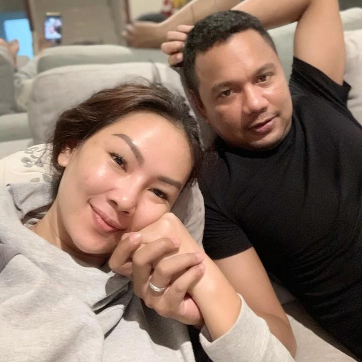 <p>Mantan istri Deddy Corbuzier, Kalina Octaranny resmi menikah dengan Insank Nasruddin, yang berprofesi sebagai pengacara. (Foto; Instagram: @kalinaocktaranny)</p>