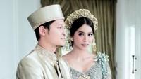 <p>PernikahanSyamsir dan Bunga Jelitha dilangsungkan di Cinere, Depok, Jawa Barat, Bunda. (Foto: Instagram @mozawahyu)</p>