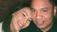 <p>Beberapa bulan sebelum menikah, pasangan ini mulai mengumbar kemesraan dengan mengunggah foto di akun Instagram masing-masing. (Foto; Instagram: @insanknasruddin)</p>