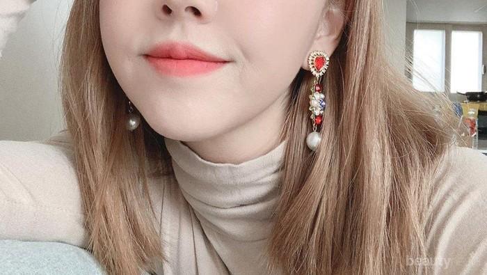 8 Lipstick & Lip Tint Lokal Terbaik Versi Sunny Dahye, Wajib Punya!