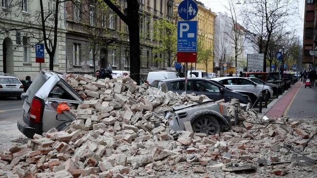 PM Kroasia Andres Plenkovic mengatakan gempa bumi itu merupakan yang terkuat yang mengguncang Kroasia dalam 140 tahun terakhir. (Photo by Damir SENCAR / AFP)