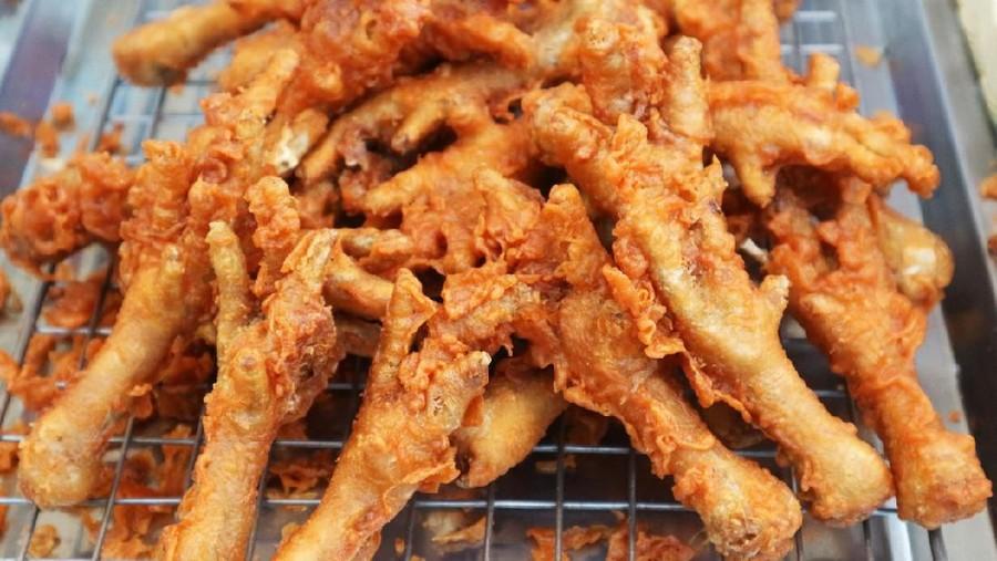 Tips Menggoreng Ceker Ayam agar Gurih, Empuk, dan Anti Alot