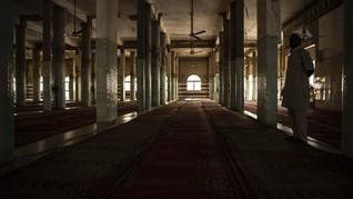 Masjid di Perancis Dihajar Aksi Vandalisme Gambar Swastika