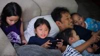 <p>Zaskia dan Hanung menganggap, Jogja akan lebih kondusif bagi mereka yang memiliki banyak anak. Apalagi, rumah mereka di sana memiliki halaman sangat luas. (Foto: Instagram @zaskiadyamecca)</p>
