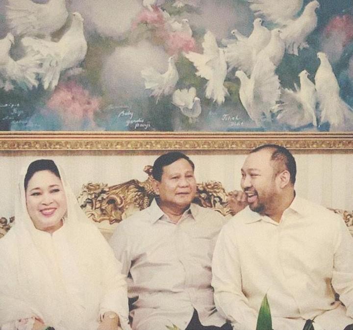 Prabowo memiliki putra semata wayang bernama Didit Hediprasetyo, dari pernikahannya dengan Siti Hediati. Intip potret kebersamaan mereka yuk Bunda.