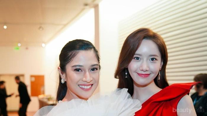 Pamer Foto Bareng Yoona SNSD, Dian Sastro Gak Kalah Cantik dari Idol Korea!