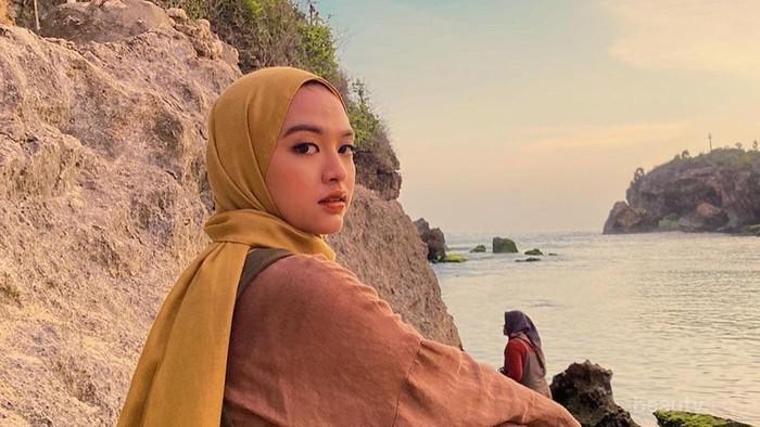 Tips Padu Padan Hijab Warna Mustard Anti Norak Ala Selebgram Tasya Kissty