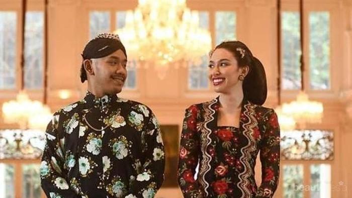 Inspirasi Konsep Foto Pre Wedding Adat Tradisional Indonesia