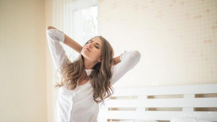 Badan Terasa Lelah dan Lemas Saat Bangun Tidur? Yuk, Ketahui Penyebabnya di Sini!