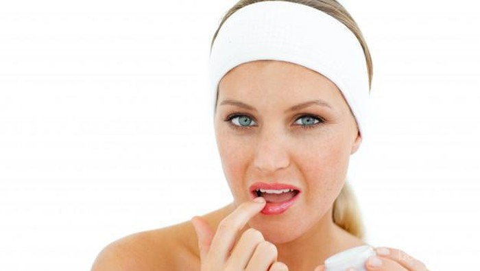DIY Lip Balm Simple yang Bisa Kamu Coba, Cobain Yuk!