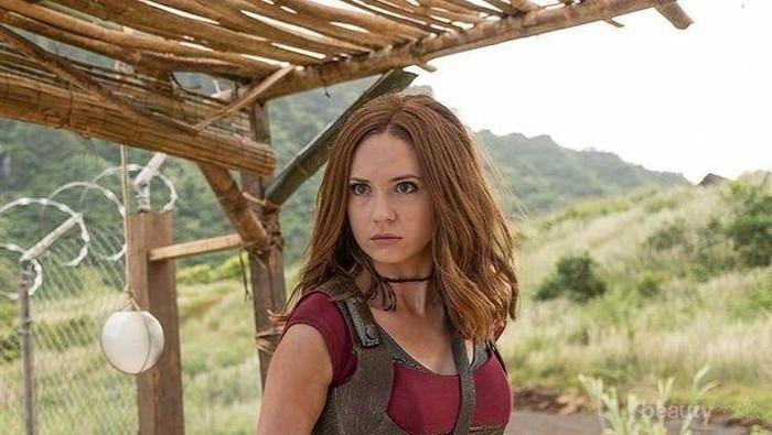 Mengenal Karen Gillan Lebih Dalam, Aktris Cantik di Film Jumanji: The Next Level