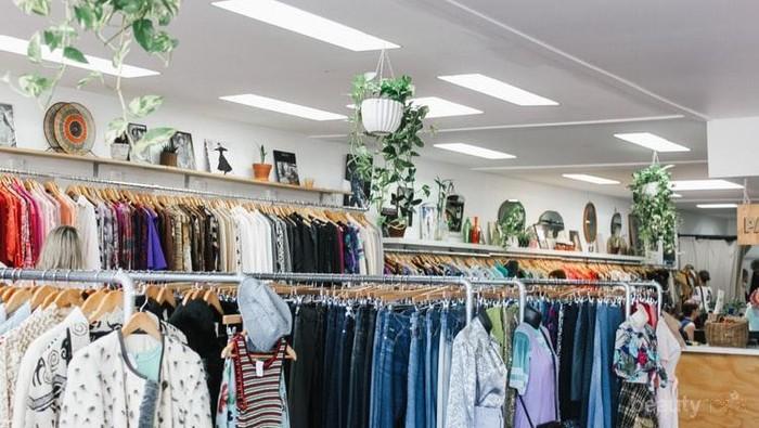Thrift Shop di Jakarta, Belanja Baju Branded Second Murah yang Sustainable!