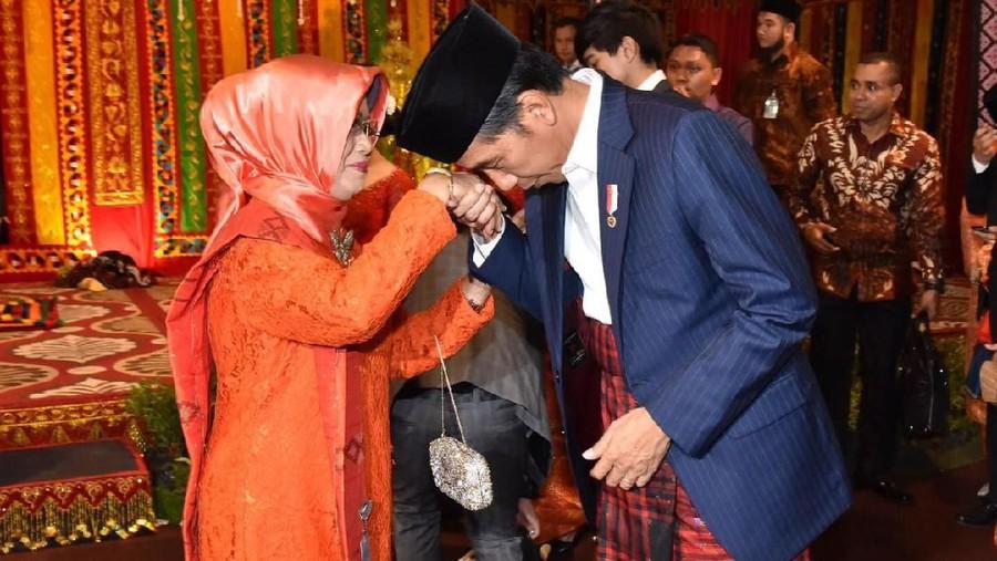 5 Fakta Sudjiatmi, Ibunda Jokowi yang Wafat di Usia 77 Tahun