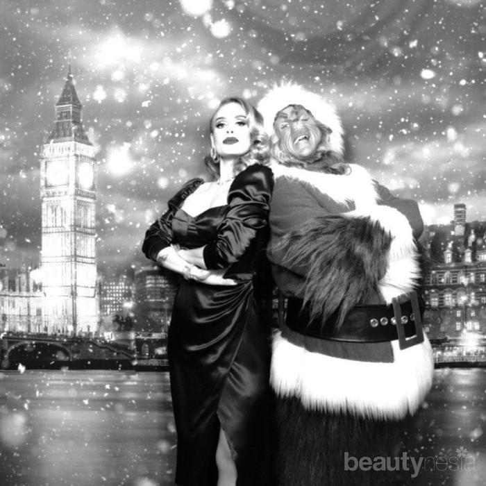 Pada Natal 2019, ibu satu anak itu kembali mengunggah penampilan terbaru dirinya. Adele yang mengenakandresshitam berpotongan lehersquaretampak semakin langsing dari sebelumnya. Wajah juga tampak tirus. (Foto: https://www.instagram.com/adele.club/)