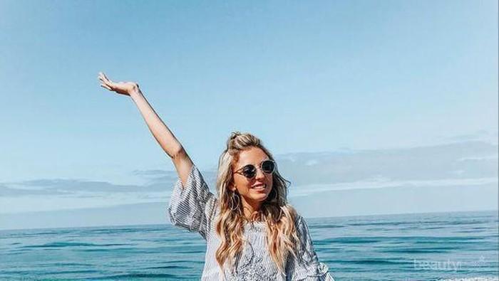 Outfit Pantai yang Bikin Ladies Makin Kece, Boleh Dicoba Nih!