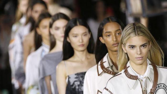 Tahun Baru Tinggal Menghitung Hari, Sudah Siapkan Resolusi Fashionmu Nanti?