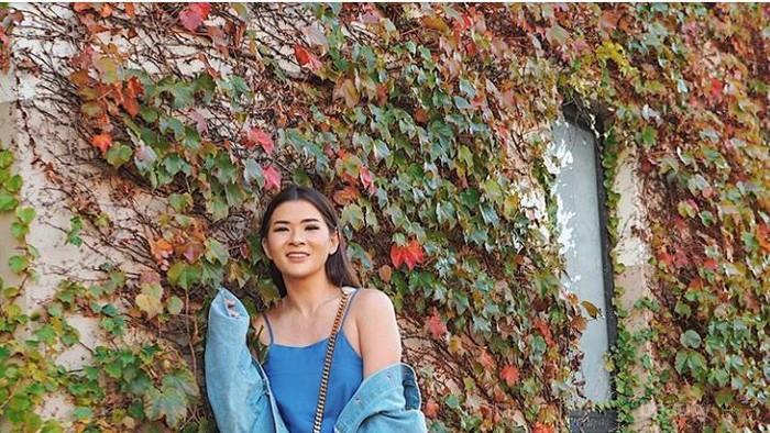 Gaya Stylish dengan Denim yang Bisa Kamu Contek dari Fashion Blogger Anaz Siantar