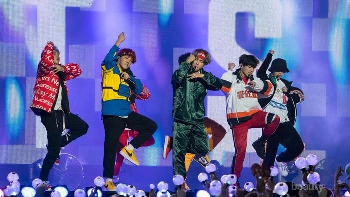 Suka Artis K-Pop? Kenalin Nih 10 Light Stick ala Idol Korea!