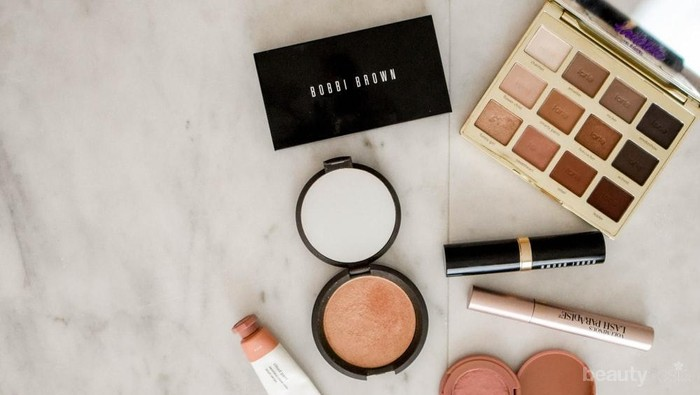 Biar Kulit Tetap Sehat, Ini Tips Jaga Kebersihan Kosmetik