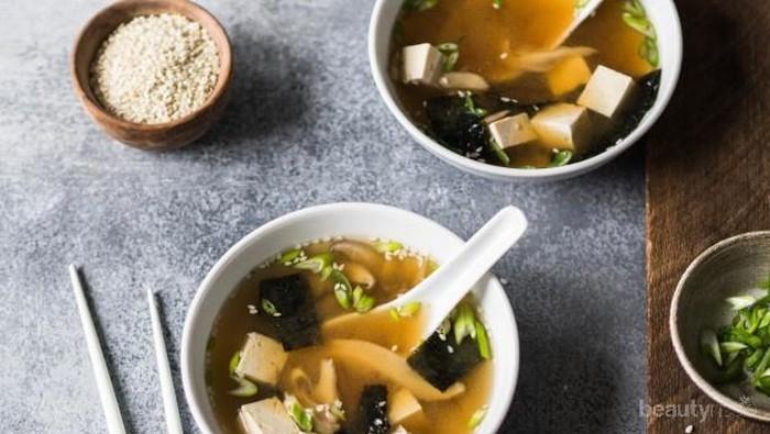 Sambut Musim Hujan dengan Sup Miso Tahu Hangat, Ini Resepnya!