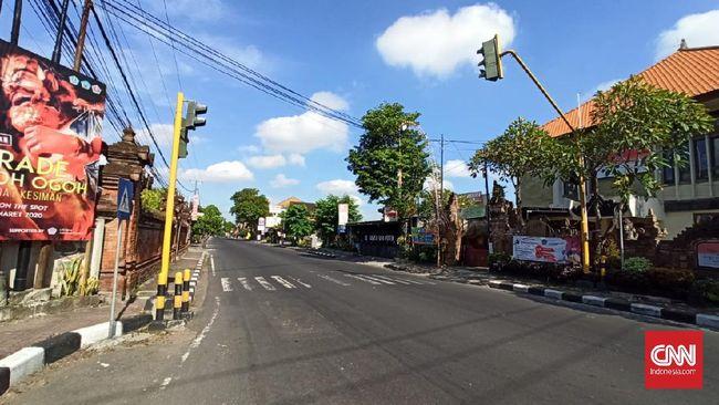 Warga di Bali disebut kompak tetap di rumah sehari setelah Nyepi sejalan dengan imbauan dari Gubernur untuk berdiam di rumah demi cegah Corona.