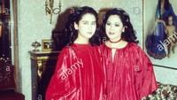 <p>Mewarisi wajah sang ibu. Kartika Soekarno juga berparas cantik. Terlihat dari foto ini, keduanya sama-sama cantik dengan gaun berwarna merah ya, Bun. (Foto: Instagram @kartikasoekarnofoundation)</p>