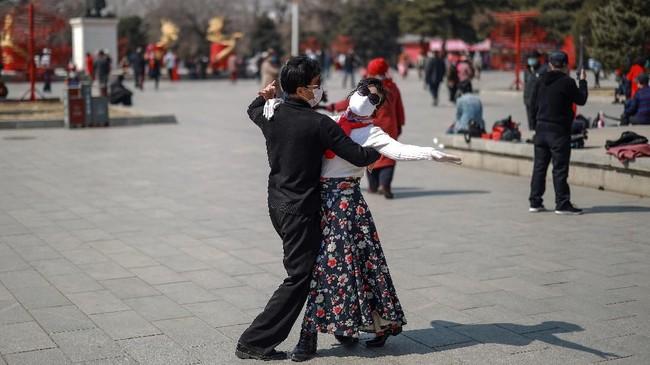Dalam foto unik pilihan CNNIndonesia.com pekan ini, ada kisah-kisah isolasi dan karantina mandiri dari berbagai penjuru dunia.