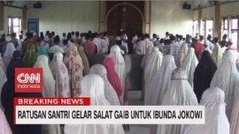 VIDEO: Ratusan Santri Gelar Salat Gaib untuk Ibunda Jokowi