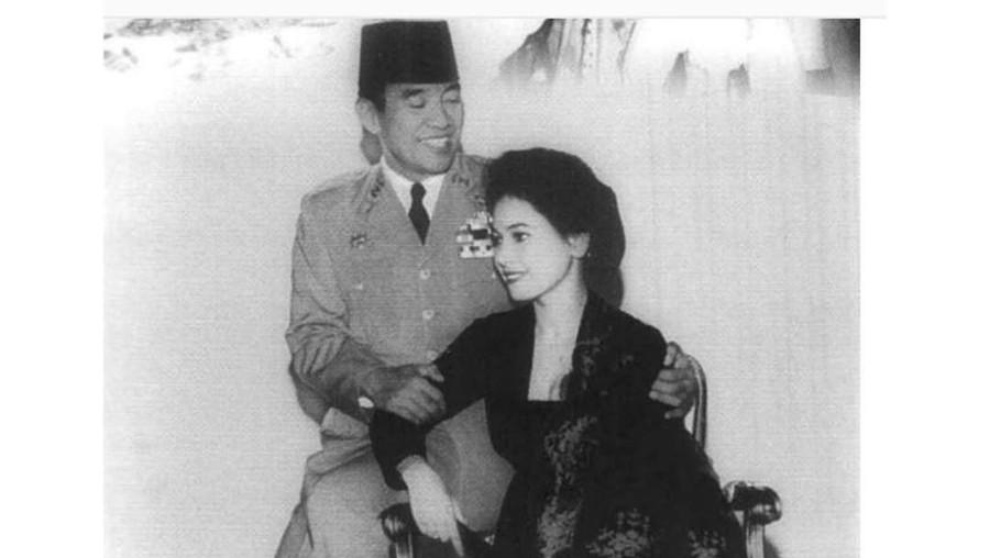 Kata-kata Romantis Soekarno Saat Melamar, Madame Dewi Tak Mampu Menolaknya