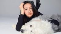 <p>Sejak kecil, Koki belajar flute dan piano. Ia juga bisa menulis lagu. Namun, makin ke sini ia makin berminat di dunia modelling.</p>