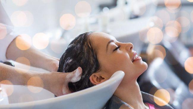 5 Langkah Hair Spa yang Bisa Dilakukan di Rumah