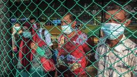FOTO: Nasib WNI Usai Lockdown Malaysia