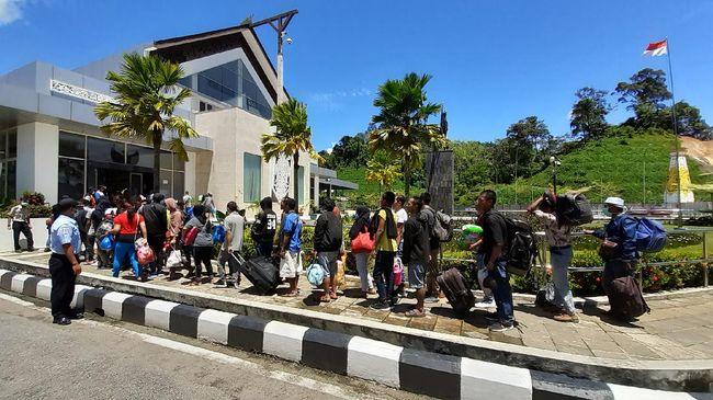 Ribuan WNI dari Malaysia akan dipulangkan secara bertahap mulai Kamis (24/6). Tahap pertama, ada 293 orang yang akan dipulangkan ke Tanah Air.