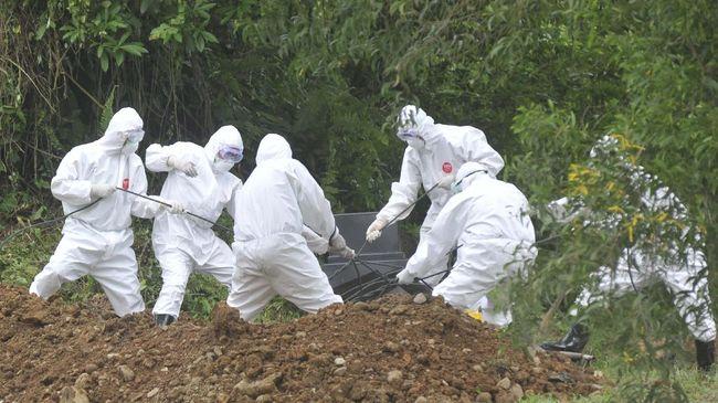 RSHS Bandung menyebut semua proses pemulangan jenazah pasien virus corona hingga pemakaman berjalan lancar meski sempat ada penolakan dari warga.