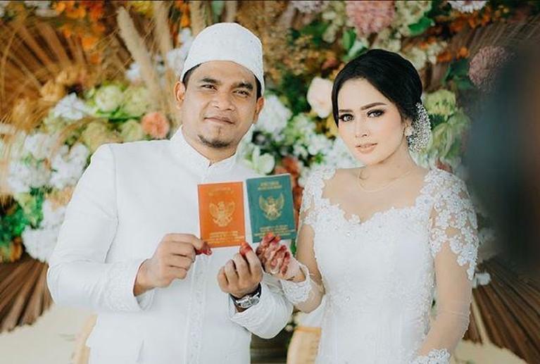 Maell Lee dan Intan Ratna Juwita