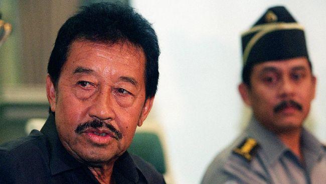 Konglomerat yang mendedikasikan diri di dunia olahraga seperti mendiang Bob Hasan amat langka di Indonesia.