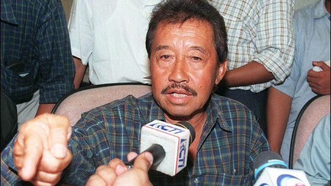 Bob Hasan semasa jadi pengusaha mendapatkan banyak keistimewaan dari Soeharto sehingga ia bisa menjadi salah satu orang terkaya RI pada 1997.
