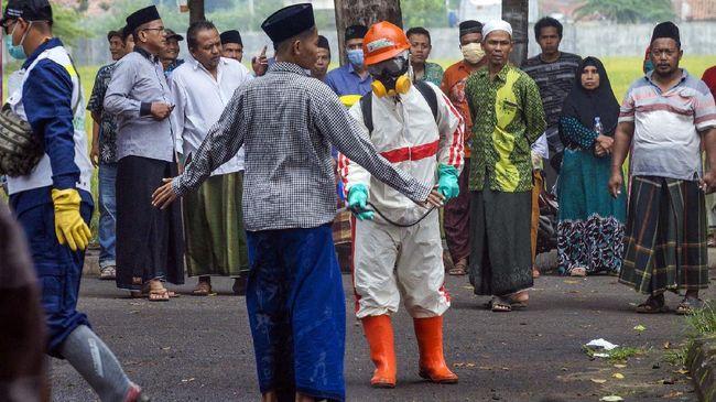 Ribuan santri pondok pesantren di Jawa Timur sudah pulang ke kampung halaman masing-masing sebelum larangan mudik berlaku 6 sampai 17 Mei 2021.