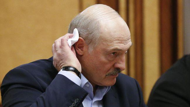 Presiden Belarus, Alexander Lukashenko, mengatakan dia sembuh dari infeksi virus corona (Covid-19) tanpa mengalami gejala apapun.