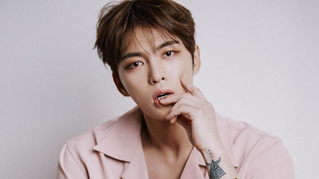 Kim Jae-joong terancam hukuman karena dianggap menyebarkan informasi palsu usai bikin isu terjangkit virus corona dalam rangka April Mop.