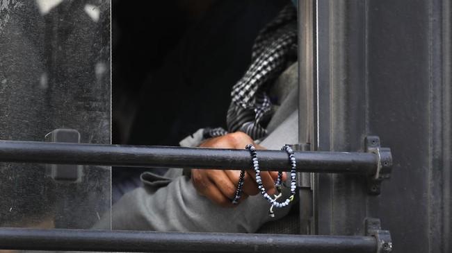 Pihak berwenang mengatakan telah menemukan sekitar 2.000 orang di Markaz Nizamuddin, markas Tablighi Jamaat.(AP Photo/Manish Swarup)