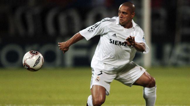 Posisi bek kiri tak terlalu seksi dan hanya ada sejumlah pemain yang membuat posisi tersebut diingat dan dikagumi. Roberto Carlos salah satunya.