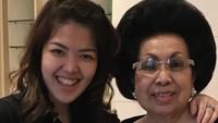 <p>Bukan rahasia lagi kalau mantan penyanyi cilik yang kini jadi politisi Tina Toon dekat banget sama nenek tercinta, Oma Ana Setiawati. (Foto:Instagram@tinatoon101) </p>