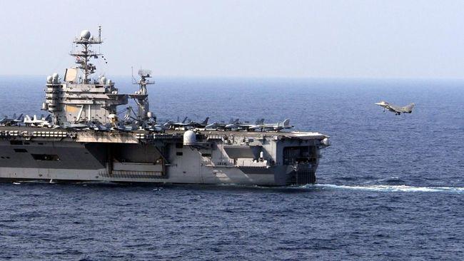Kapal perusak Rusia mengusir dan mengancam menabrak kapal perang Angkatan Laut AS karena menerobos wilayah Moskow di perairan Pasifik.